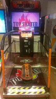 200-TOP_SKATER.jpg